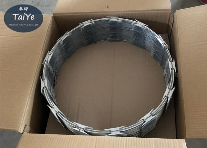 Spiral Razor Wire Mesh Fencing  Outside Diameter 450mm Packed With Carton