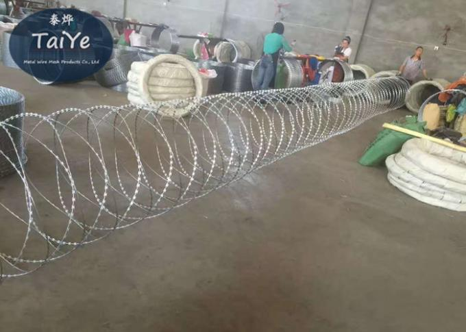 Industrial Security Barbed Wire With Blades New Type Corrosion Resistant