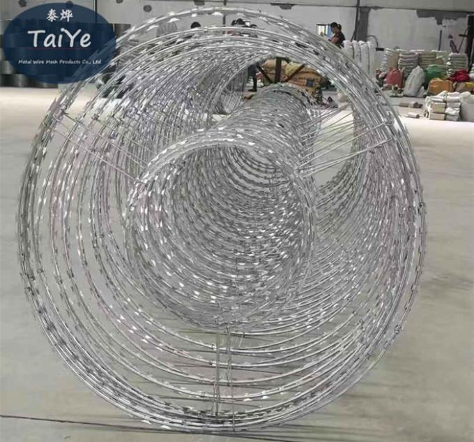 Double Cross  Concertina Razor Barbed Wire Coils 1600 MPa High Tensile