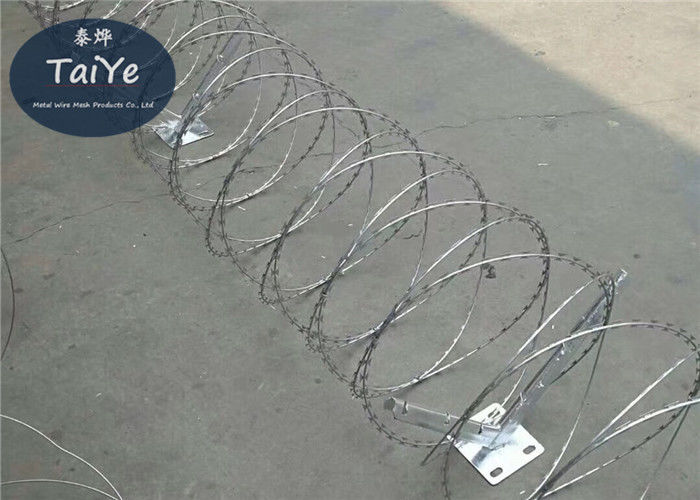Zinc Coating BTO 22 Razor Wire Coil Diameter 450mm Length 8m Concetina  With Clips