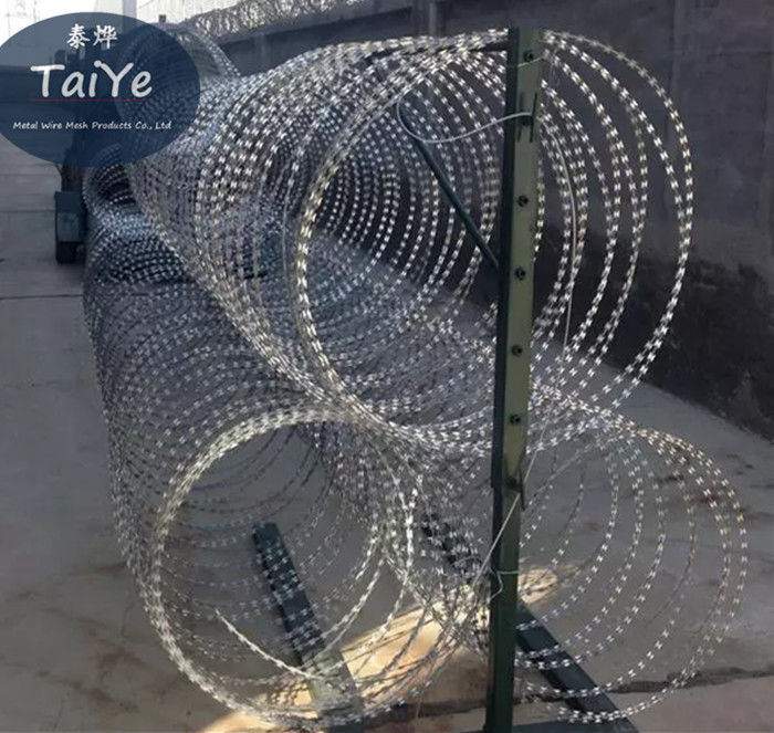 High Spines Mobile Security Barrier Police Use Anti Rust Security Razor Wire