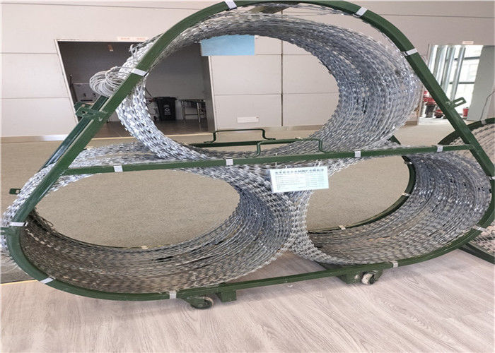 Military And Police Mobile Security Barrier , Razor Wire Barriers Of Stainless Steel