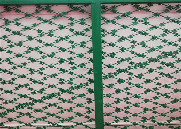 Cutting Edge Security Razor Wire Mesh Welded Razor High Security Fencing Aperture Size