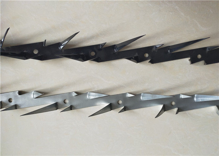 Medium Size Steel Wall Spikes Hot Dipped Galvanized Or Black Powder Coated